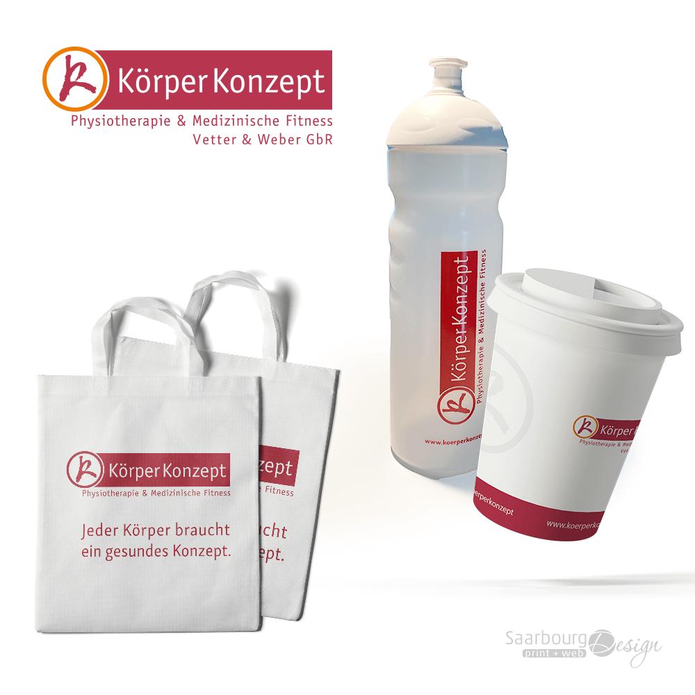 Darstellung von Tasche, Trinkflasche und Trinkbecher - Giveaways von KörperKonzept