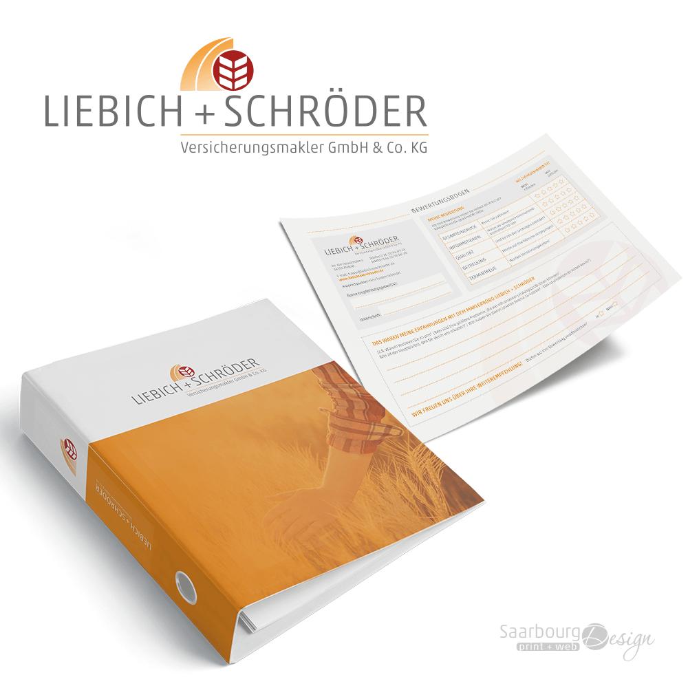 Darstellung von Ordner und Fragebogen der Versicherungsmakler Liebich + Schröder