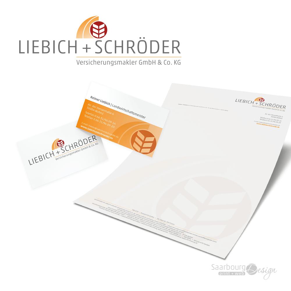 Darstellung von Visitenkarten und Briefpapier der Versicherungsmakler Liebich + Schröder